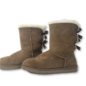 UGG Bailey Bow II Chestnut Boots Size 9